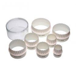 Set de 7 emporte-pièces ronds lisses / cannelés