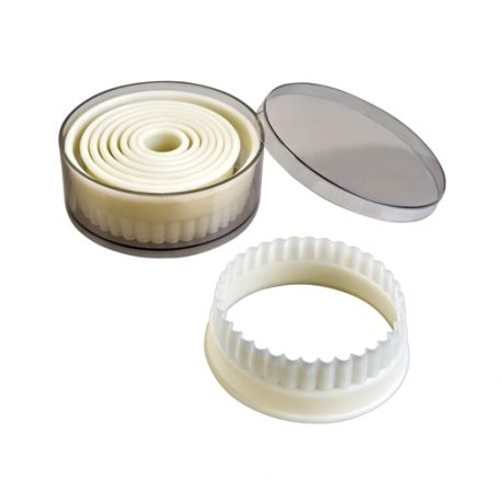 "Set 9 Cookie Cutters ""Round Fluted"""