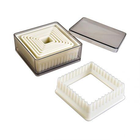 Set de 9 emporte-pièces carrés cannelés