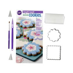 18 Piece Cookie Decorating Set - WILTON