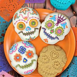 "Set 4 Cookie Cutters ""Skull"""